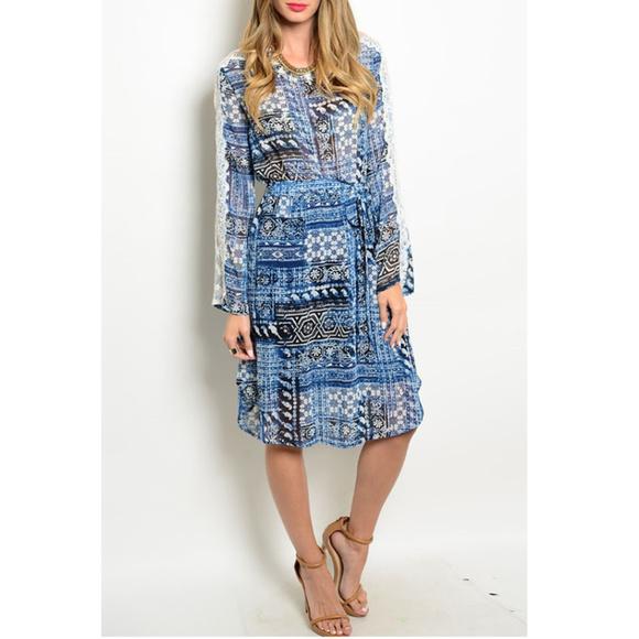 🆕 Lace Sleeves Blue Prints Dress